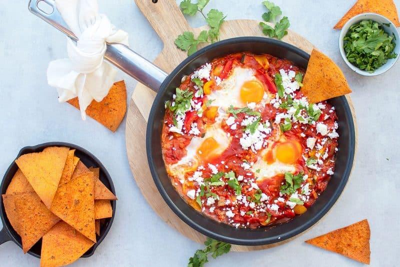 Recept paprika chilli tortilla shakshukka 800x533 - 10x Creatief aan de slag met de groente tortilla's van No Fairytales